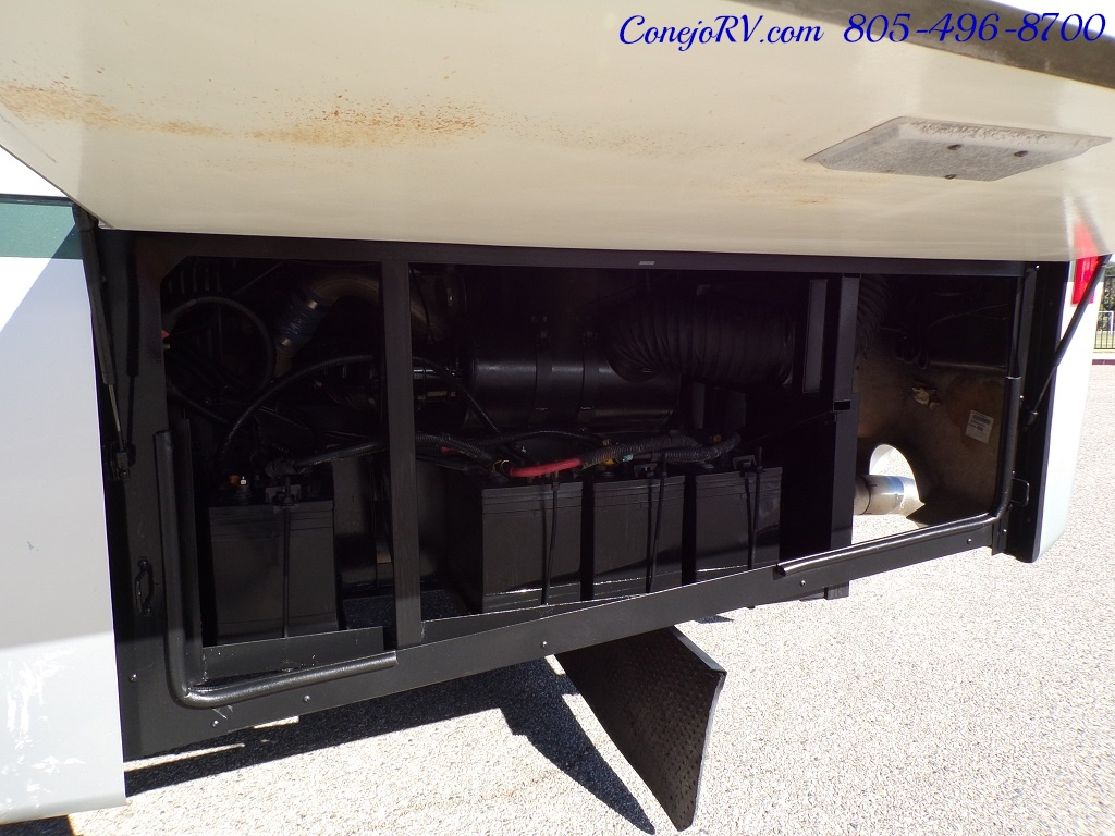 2004 Fleetwood Expedition 39Z Slide Out Turbo Diesel 26K Miles - Photo 36 - Thousand Oaks, CA 91360