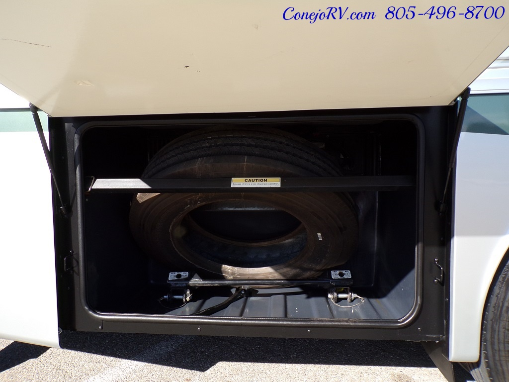 2004 Fleetwood Expedition 39Z Slide Out Turbo Diesel 26K Miles - Photo 31 - Thousand Oaks, CA 91360