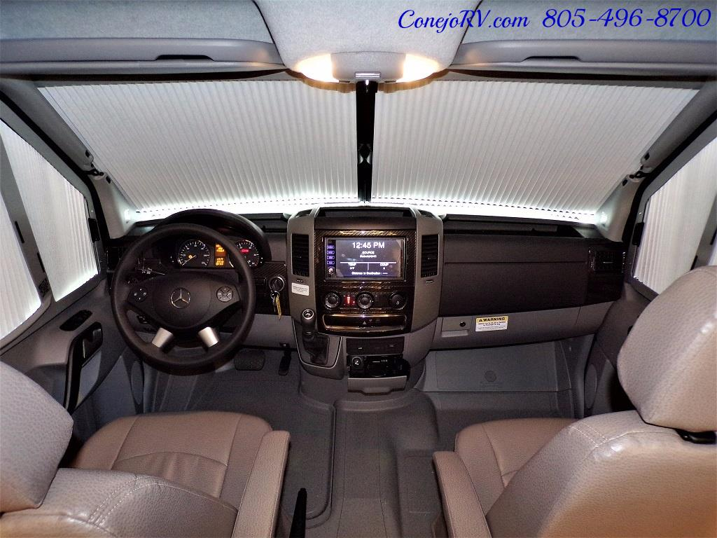 2018 Winnebago Navion 24D Full Wall Slide-Out Mercedes Turbo DSL - Photo 34 - Thousand Oaks, CA 91360