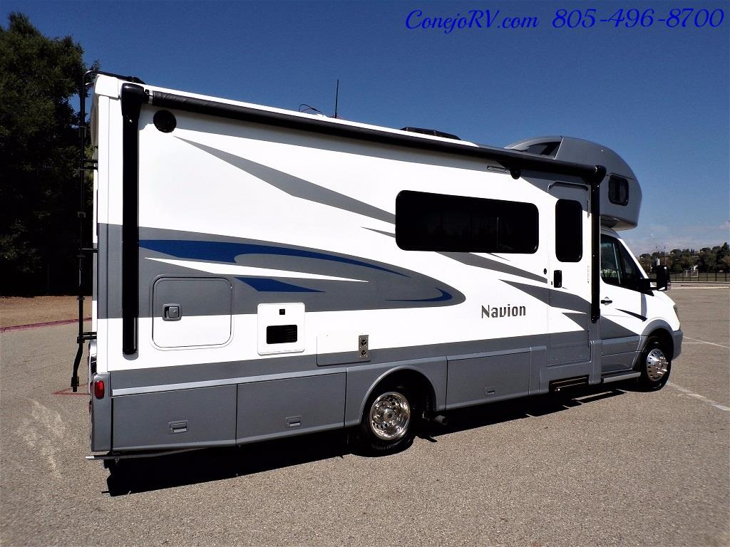 2018 Winnebago Navion 24D Full Wall Slide-Out Mercedes Turbo DSL - Photo 6 - Thousand Oaks, CA 91360