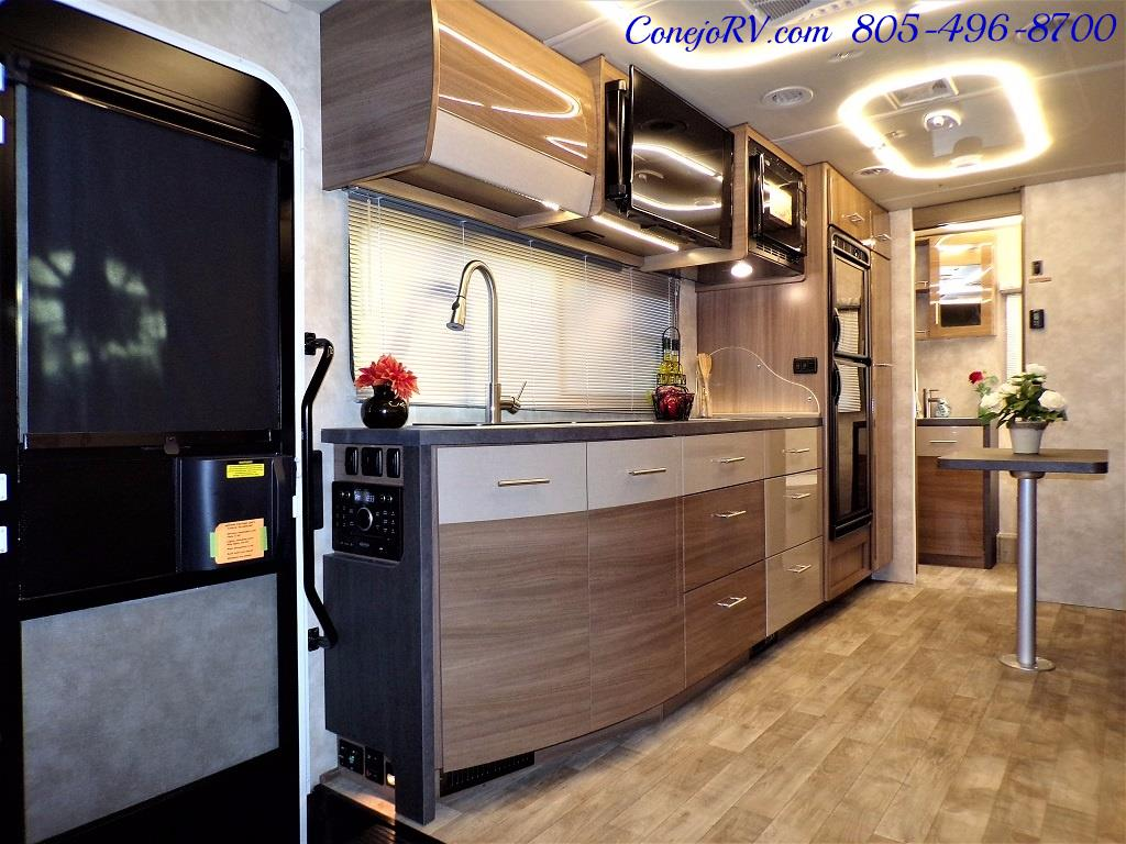 2018 Winnebago Navion 24D Full Wall Slide-Out Mercedes Turbo DSL - Photo 9 - Thousand Oaks, CA 91360