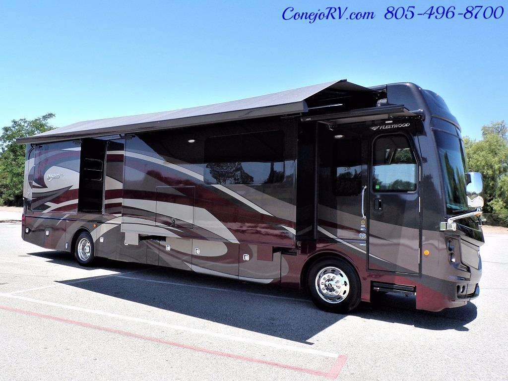 2017 Fleetwood Discovery LXE 40D Bath and a Half King Bed 380hp - Photo 48 - Thousand Oaks, CA 91360