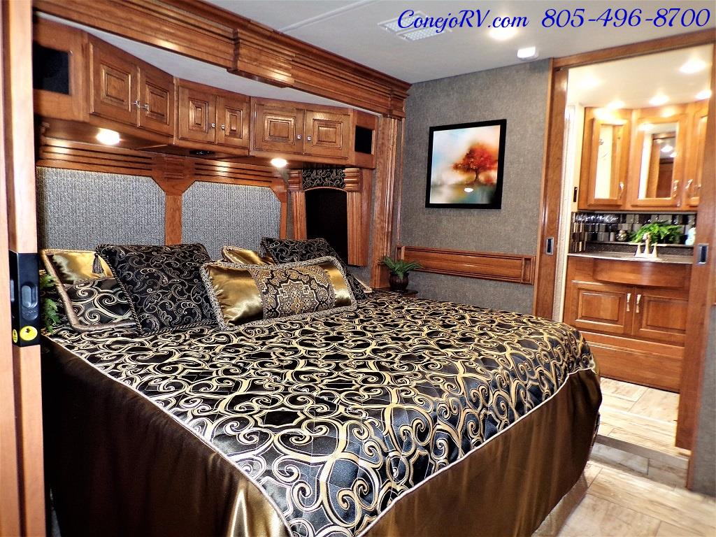 2017 Fleetwood Discovery LXE 40D Bath and a Half King Bed 380hp - Photo 21 - Thousand Oaks, CA 91360
