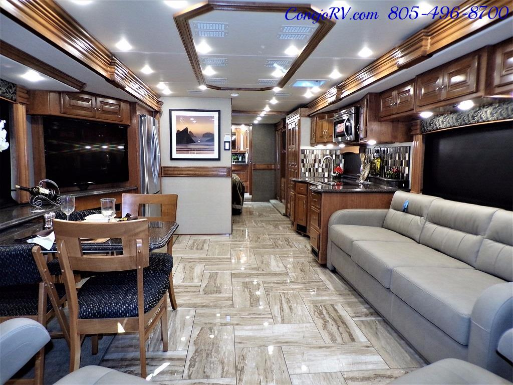 2017 Fleetwood Discovery LXE 40D Bath and a Half King Bed 380hp - Photo 7 - Thousand Oaks, CA 91360
