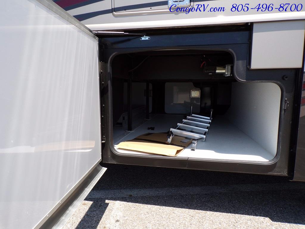 2017 Fleetwood Discovery LXE 40D Bath and a Half King Bed 380hp - Photo 45 - Thousand Oaks, CA 91360