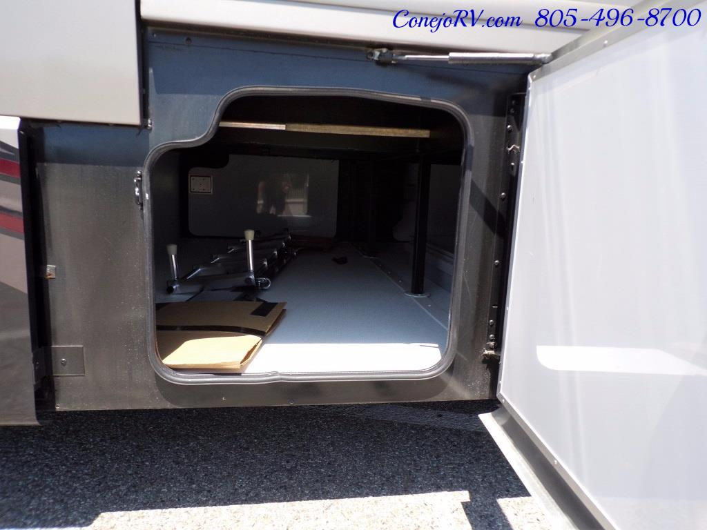 2017 Fleetwood Discovery LXE 40D Bath and a Half King Bed 380hp - Photo 37 - Thousand Oaks, CA 91360