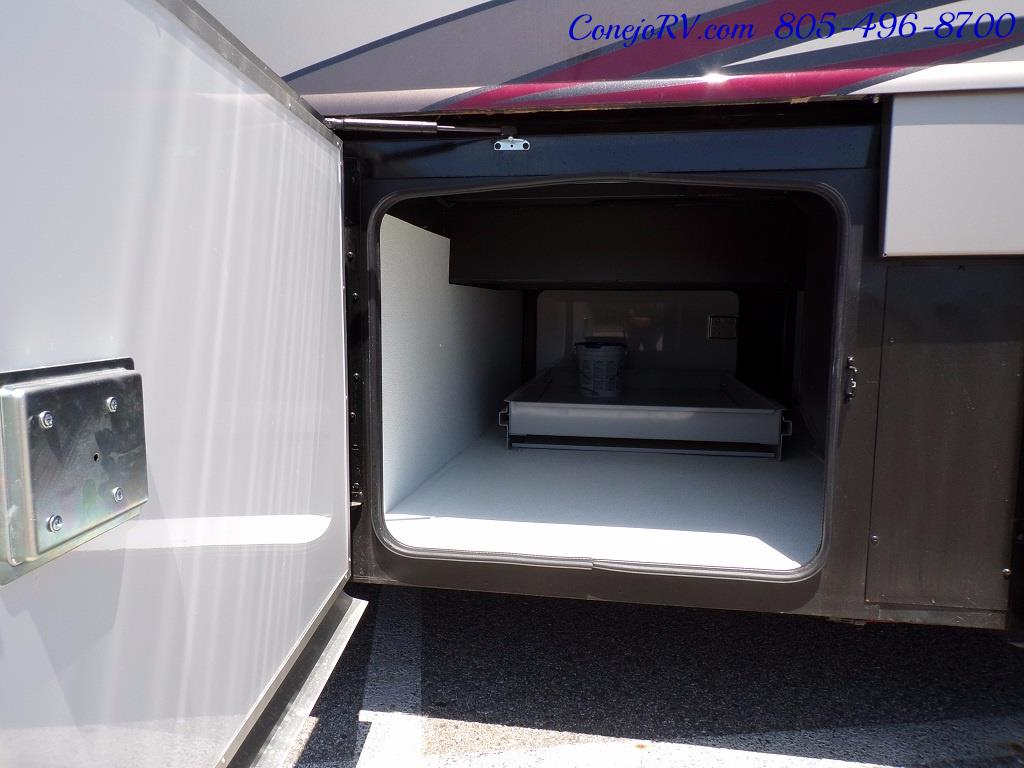 2017 Fleetwood Discovery LXE 40D Bath and a Half King Bed 380hp - Photo 44 - Thousand Oaks, CA 91360
