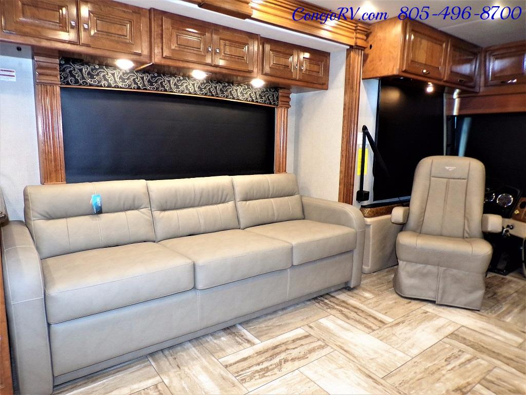 2017 Fleetwood Discovery LXE 40D Bath and a Half King Bed 380hp - Photo 12 - Thousand Oaks, CA 91360