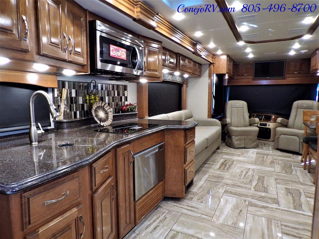 2017 Fleetwood Discovery LXE 40D Bath and a Half King Bed 380hp - Photo 31 - Thousand Oaks, CA 91360