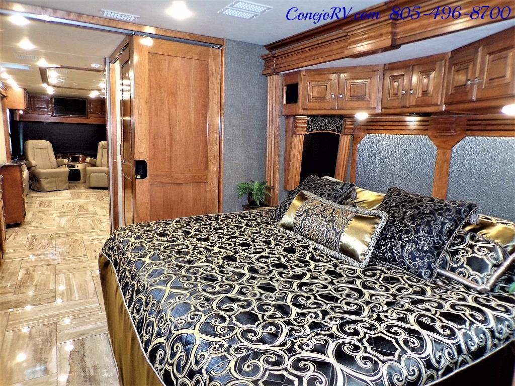 2017 Fleetwood Discovery LXE 40D Bath and a Half King Bed 380hp - Photo 28 - Thousand Oaks, CA 91360
