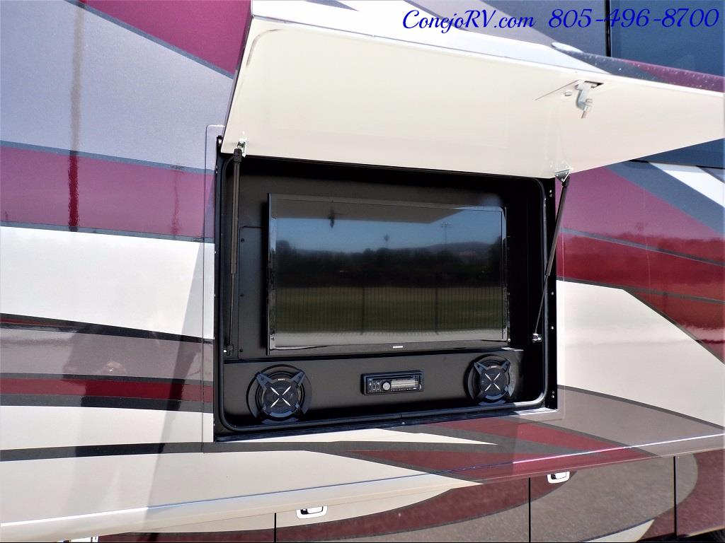 2017 Fleetwood Discovery LXE 40D Bath and a Half King Bed 380hp - Photo 47 - Thousand Oaks, CA 91360