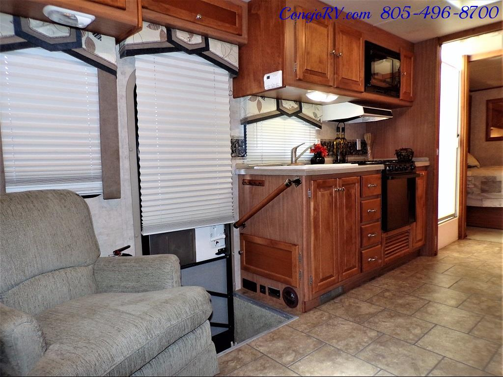 2007 Tiffin Allegro 28DA Double Slide Out - Photo 7 - Thousand Oaks, CA 91360