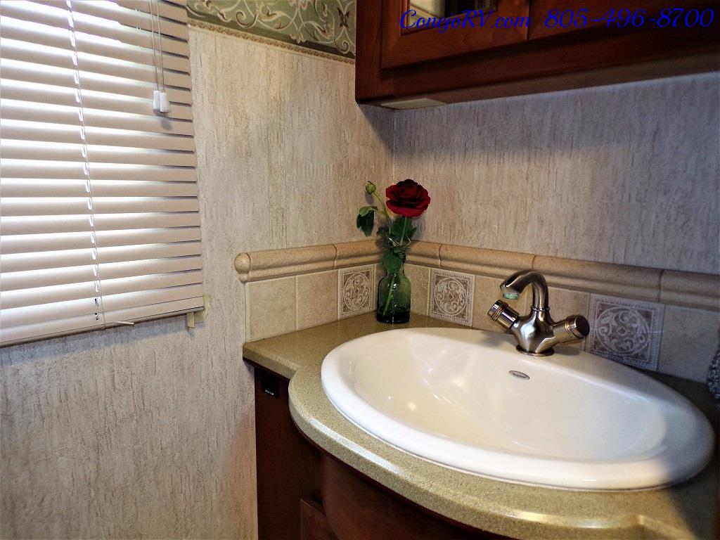 2005 Country Coach Inspire Davinci 40ft Quad-Slide Full Paint 400hp - Photo 21 - Thousand Oaks, CA 91360