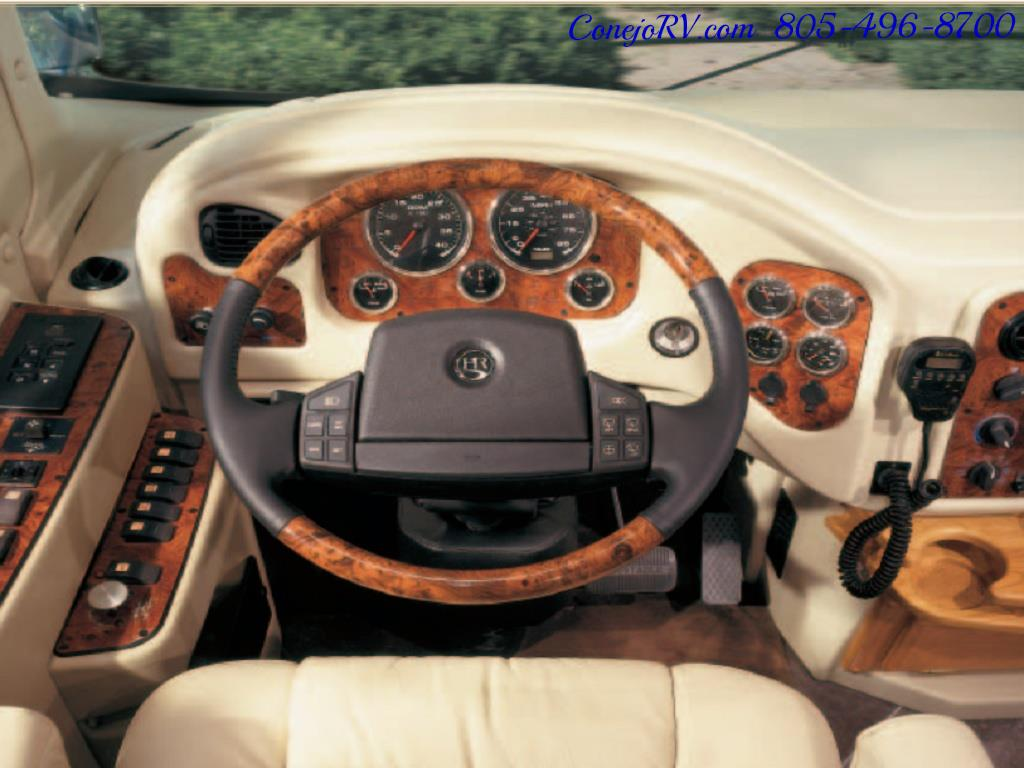 2005 Monaco Holiday Rambler Navigator 43PBQ Quad-Slide 515hp - Photo 47 - Thousand Oaks, CA 91360
