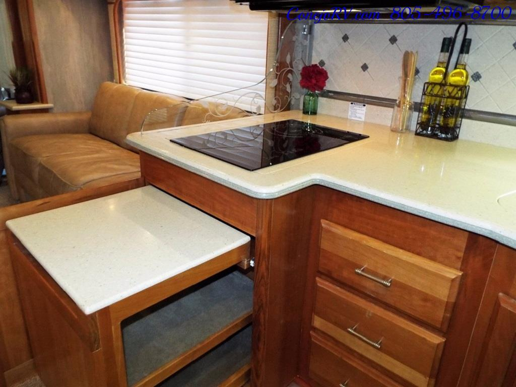 2005 Monaco Holiday Rambler Navigator 43PBQ Quad-Slide 515hp - Photo 10 - Thousand Oaks, CA 91360