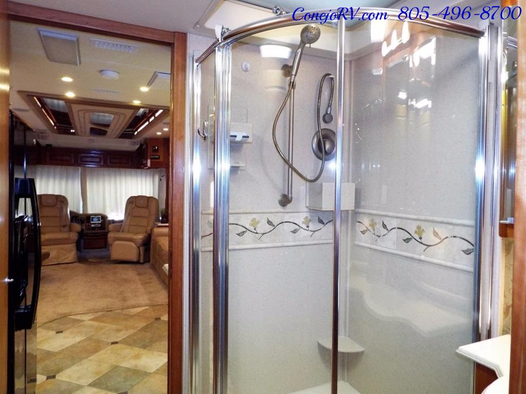 2005 Monaco Holiday Rambler Navigator 43PBQ Quad-Slide 515hp - Photo 26 - Thousand Oaks, CA 91360