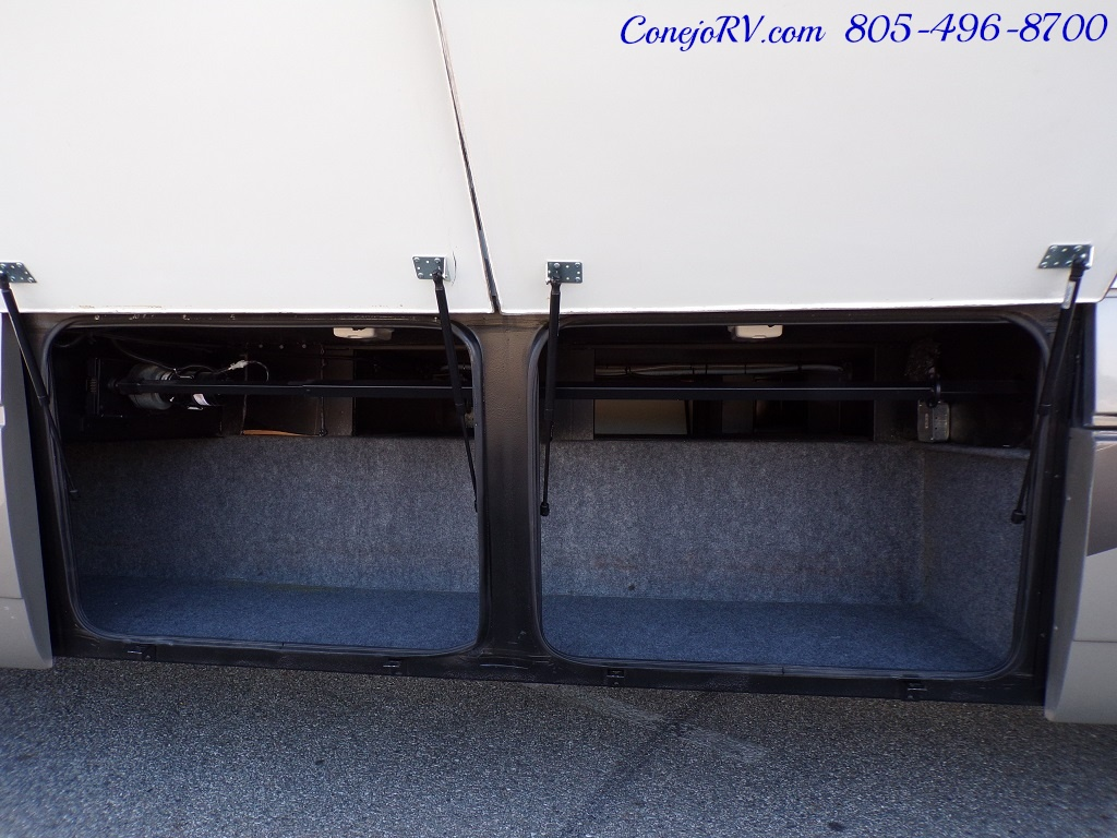 2006 National Seabreeze LX 8341 Double Slide 16K Miles - Photo 33 - Thousand Oaks, CA 91360