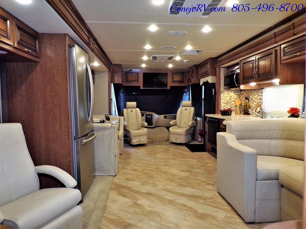 2017 Holiday Rambler Vacationer 36Y Triple Slide Like New Only 3K Miles - Photo 29 - Thousand Oaks, CA 91360
