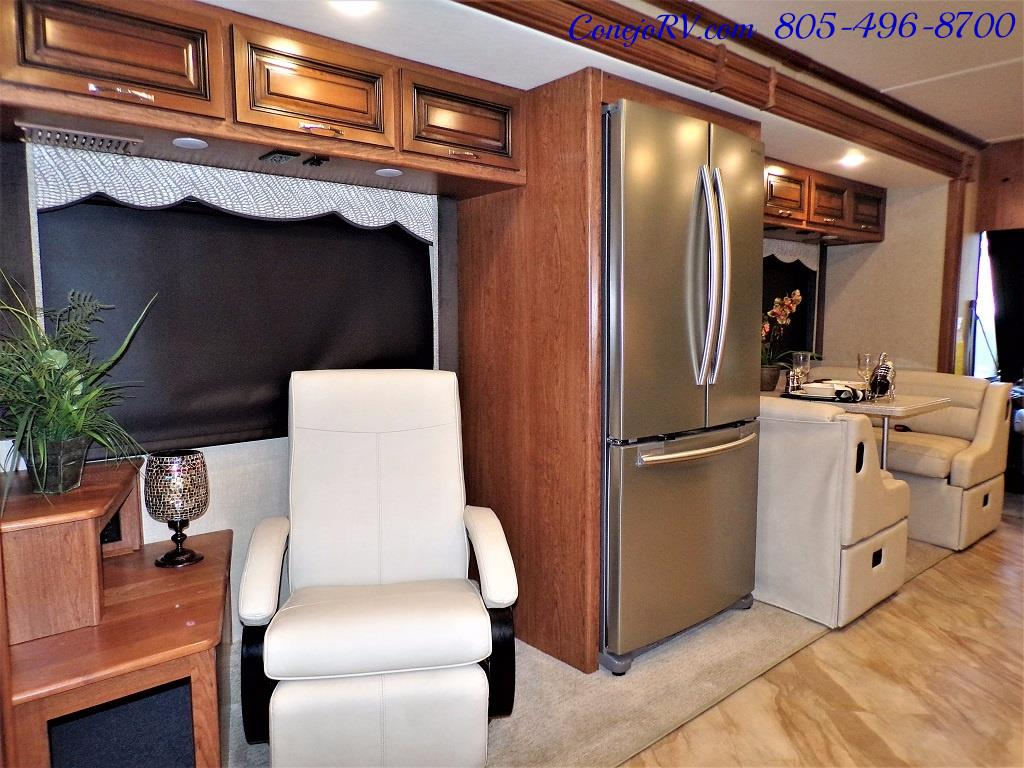 2017 Holiday Rambler Vacationer 36Y Triple Slide Like New Only 3K Miles - Photo 13 - Thousand Oaks, CA 91360