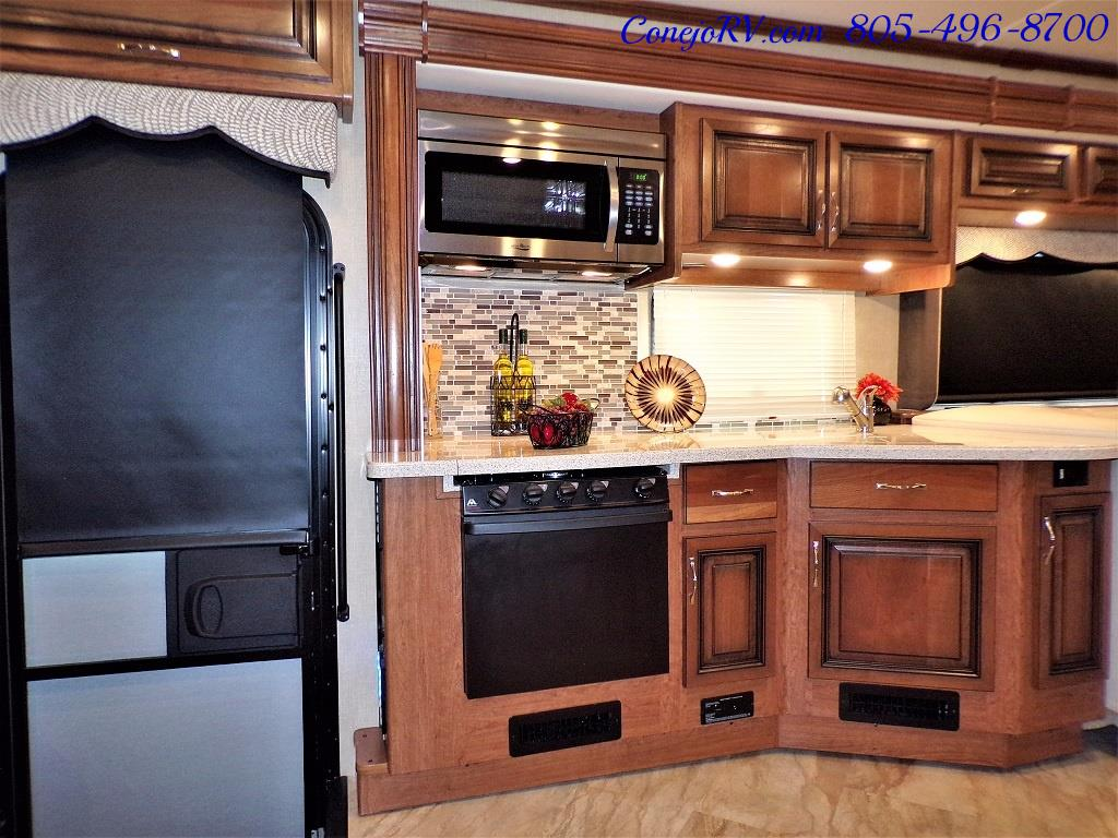 2017 Holiday Rambler Vacationer 36Y Triple Slide Like New Only 3K Miles - Photo 14 - Thousand Oaks, CA 91360