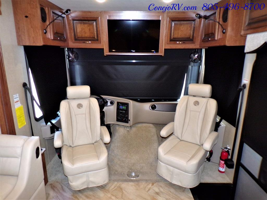 2017 Holiday Rambler Vacationer 36Y Triple Slide Like New Only 3K Miles - Photo 34 - Thousand Oaks, CA 91360