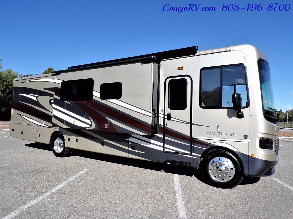 2017 Holiday Rambler Vacationer 36Y Triple Slide Like New Only 3K Miles - Photo 3 - Thousand Oaks, CA 91360