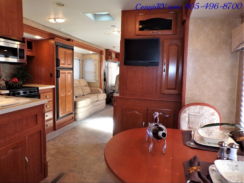 2008 Forest River Georgetown 373 Double Slides King Bed 8K Miles - Photo 26 - Thousand Oaks, CA 91360