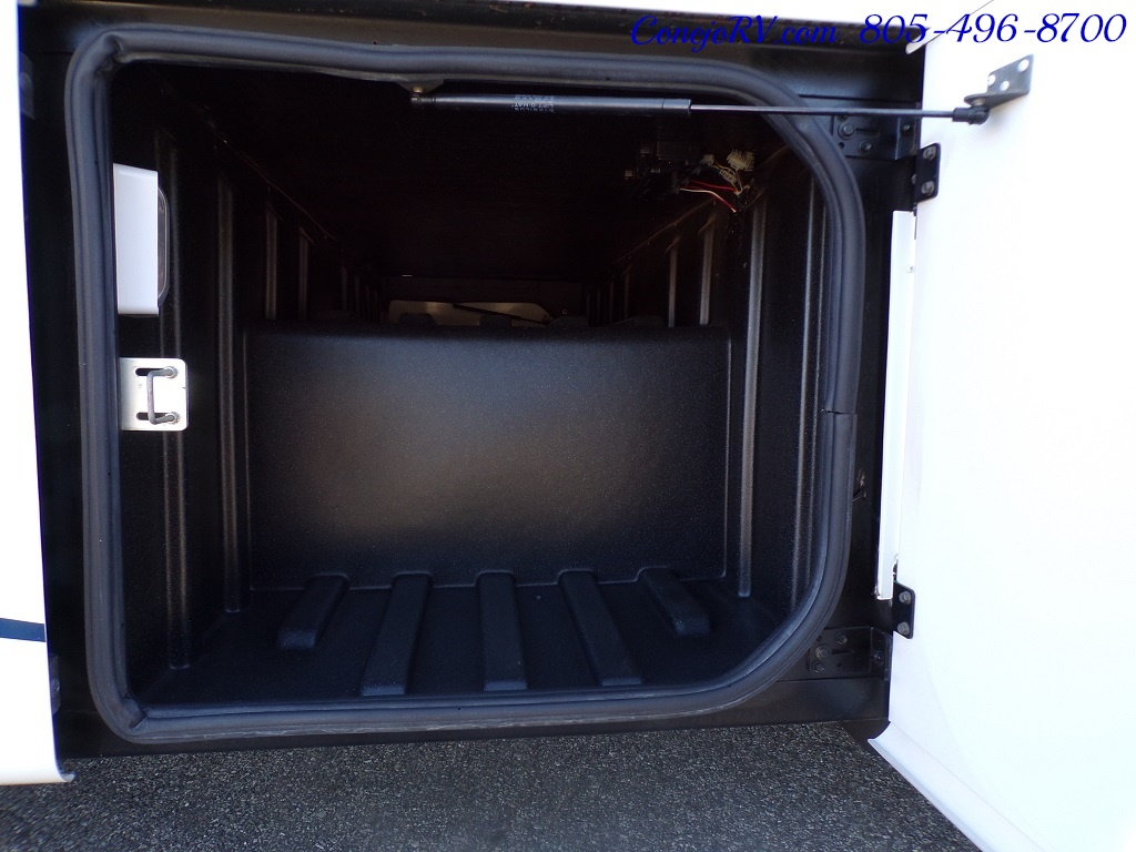 2008 Forest River Georgetown 373 Double Slides King Bed 8K Miles - Photo 40 - Thousand Oaks, CA 91360