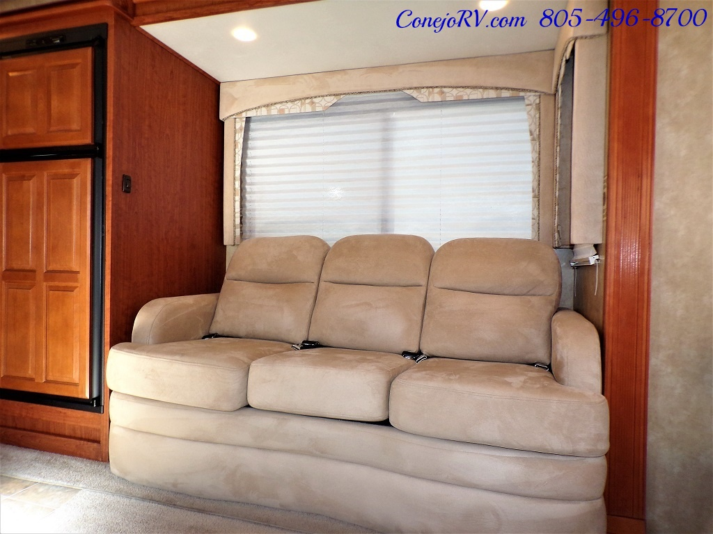 2008 Forest River Georgetown 373 Double Slides King Bed 8K Miles - Photo 8 - Thousand Oaks, CA 91360