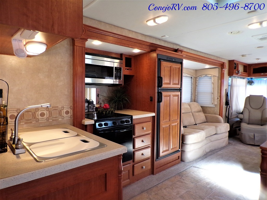 2008 Forest River Georgetown 373 Double Slides King Bed 8K Miles - Photo 28 - Thousand Oaks, CA 91360