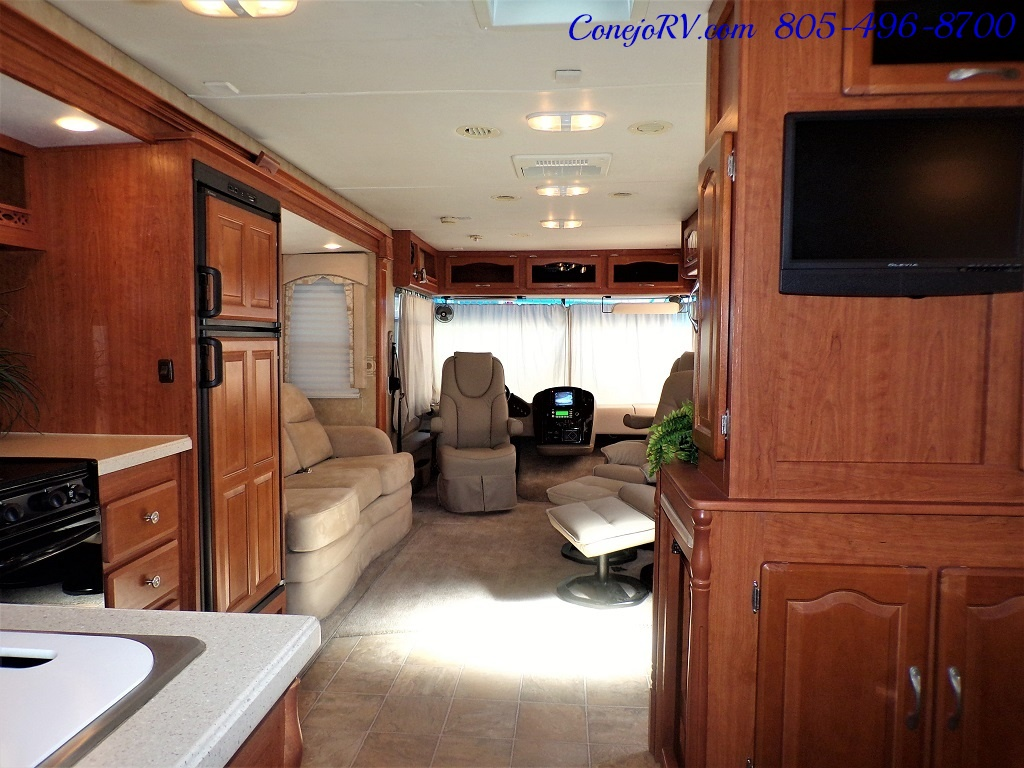 2008 Forest River Georgetown 373 Double Slides King Bed 8K Miles - Photo 27 - Thousand Oaks, CA 91360