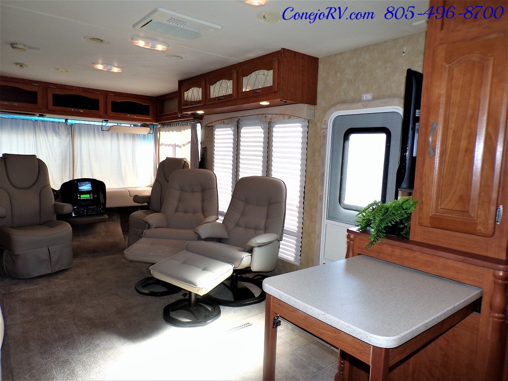 2008 Forest River Georgetown 373 Double Slides King Bed 8K Miles - Photo 29 - Thousand Oaks, CA 91360