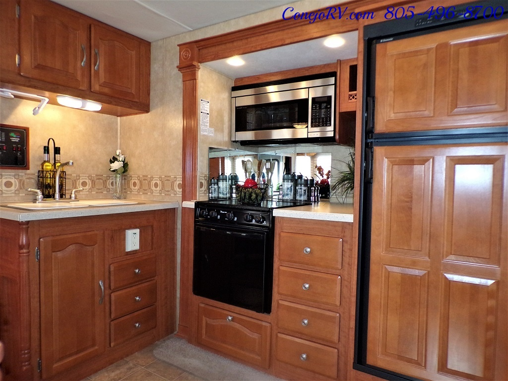 2008 Forest River Georgetown 373 Double Slides King Bed 8K Miles - Photo 12 - Thousand Oaks, CA 91360