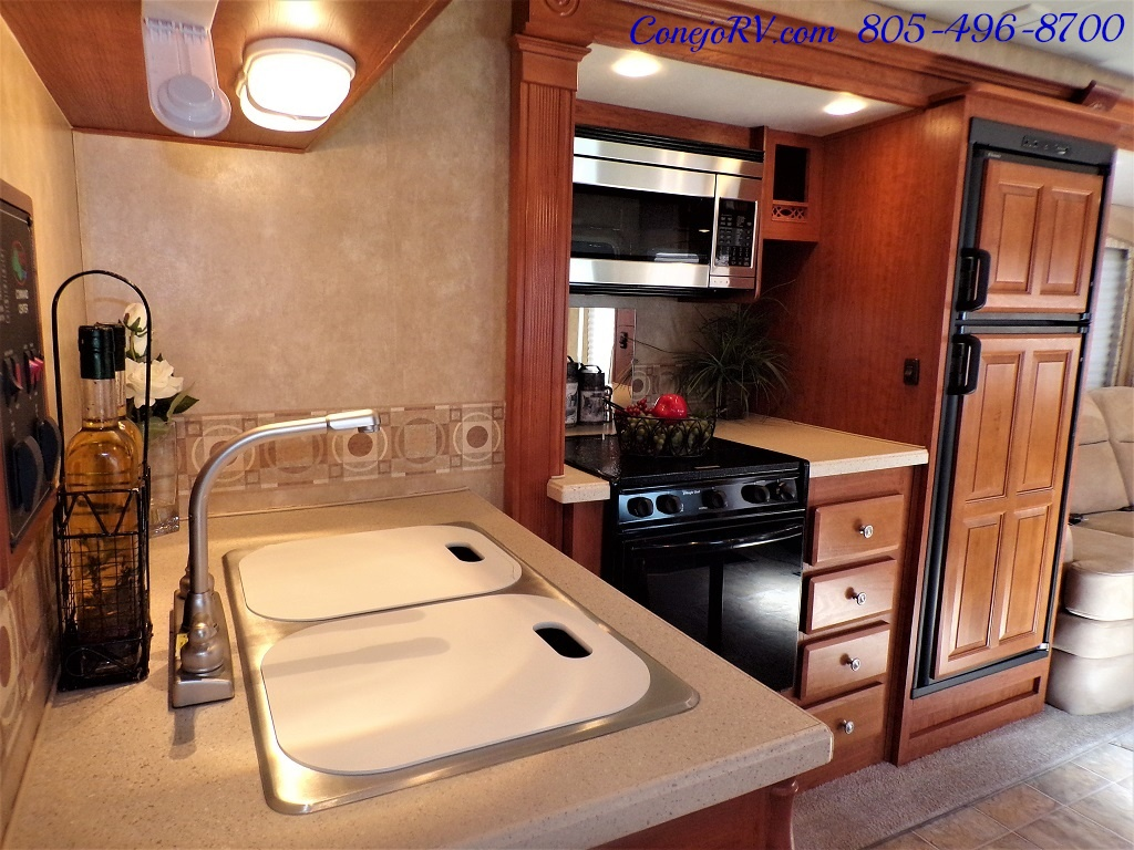 2008 Forest River Georgetown 373 Double Slides King Bed 8K Miles - Photo 13 - Thousand Oaks, CA 91360