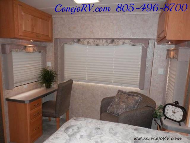 2006 Monaco Monarch 37PCT 3-Slide Big Chassis Full Paint 32k M - Photo 22 - Thousand Oaks, CA 91360