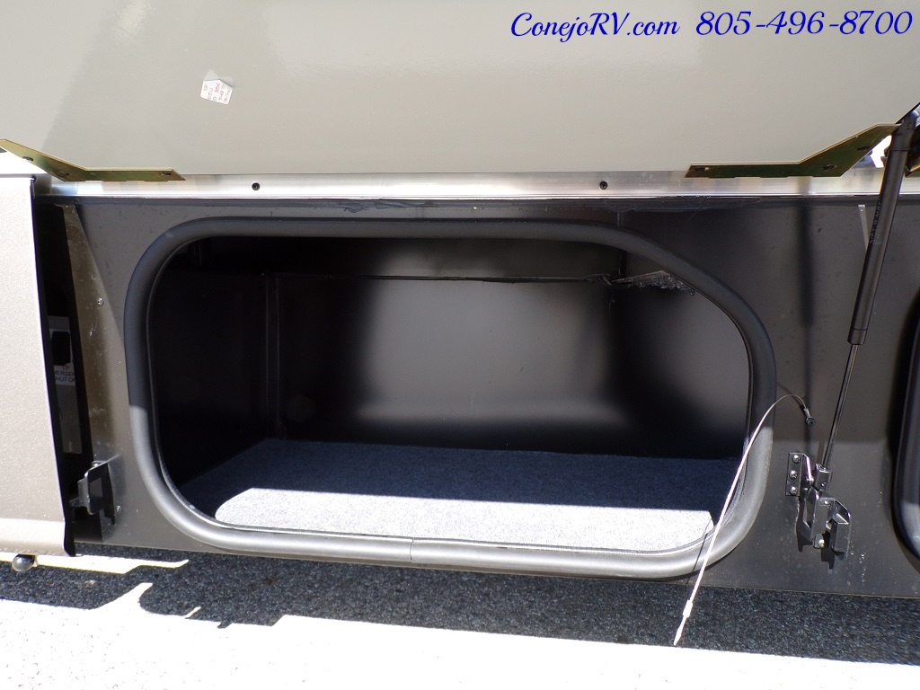 2018 Winnebago Navion 24D Full Wall Slide-Out Mercedes Turbo DSL - Photo 36 - Thousand Oaks, CA 91360