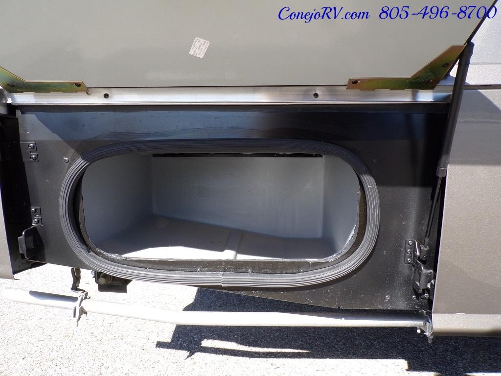 2018 Winnebago Navion 24D Full Wall Slide-Out Mercedes Turbo DSL - Photo 33 - Thousand Oaks, CA 91360
