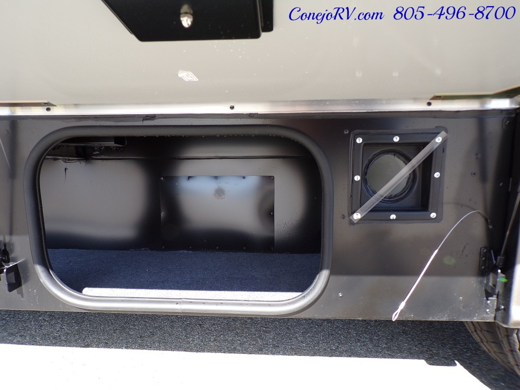 2018 Winnebago Navion 24D Full Wall Slide-Out Mercedes Turbo DSL - Photo 35 - Thousand Oaks, CA 91360