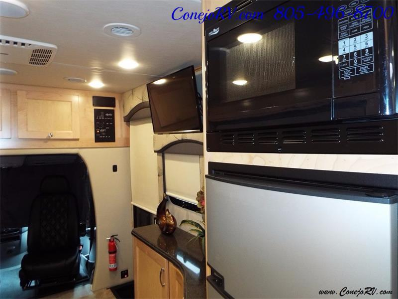 2017 Renegade RV Vienna 25MBS MURPHY BED Slide-Out Full Body Paint - Photo 15 - Thousand Oaks, CA 91360