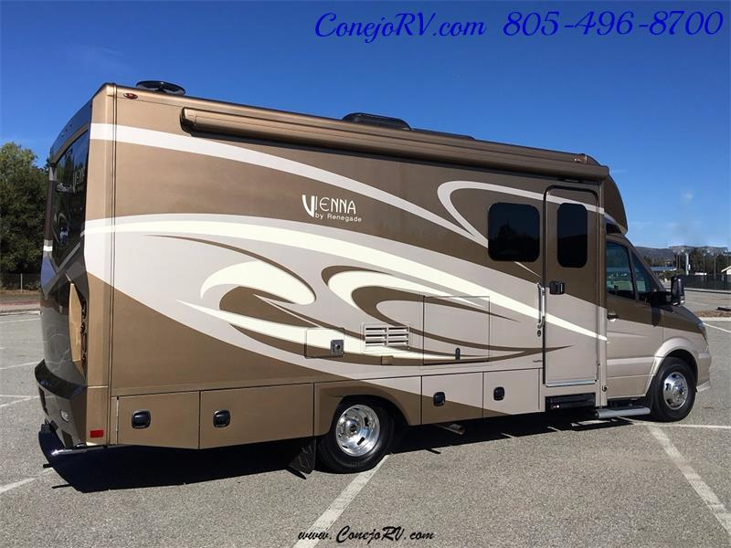 2017 Renegade RV Vienna 25MBS MURPHY BED Slide-Out Full Body Paint - Photo 4 - Thousand Oaks, CA 91360