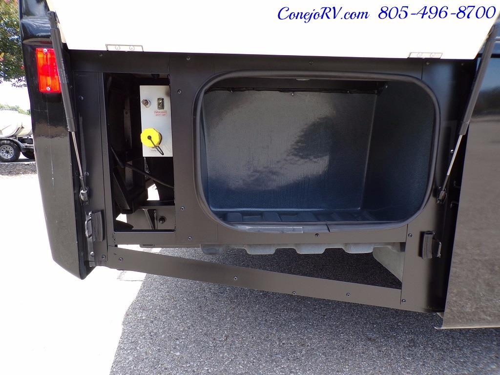 2008 Fleetwood Bounder 38F 325hp Diesel Pusher 3-Slide 1.5 Bath - Photo 33 - Thousand Oaks, CA 91360