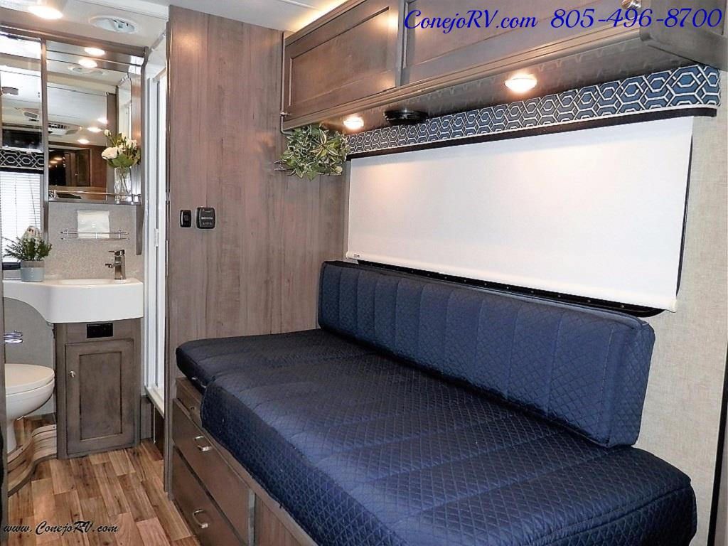 2017 Winnebago Fuse 23A Slide-Out Power Stroke Turbo Diesel - Photo 16 - Thousand Oaks, CA 91360