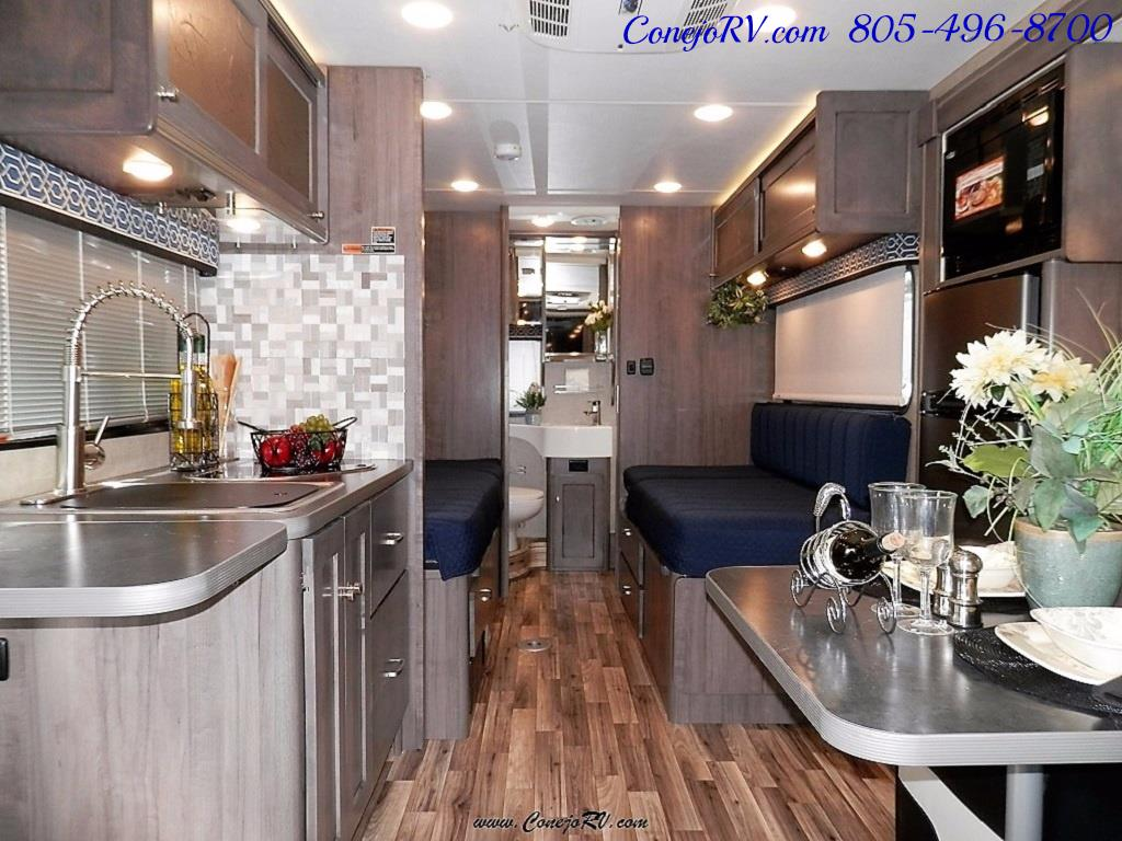 2017 Winnebago Fuse 23A Slide-Out Power Stroke Turbo Diesel - Photo 7 - Thousand Oaks, CA 91360