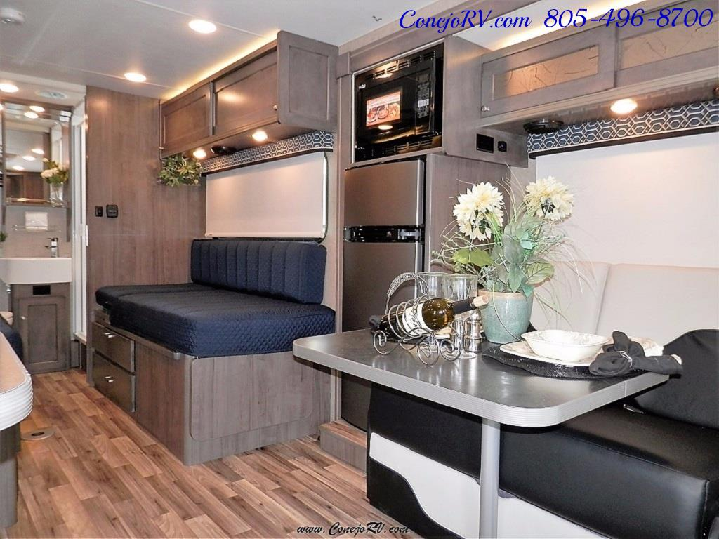 2017 Winnebago Fuse 23A Slide-Out Power Stroke Turbo Diesel - Photo 8 - Thousand Oaks, CA 91360