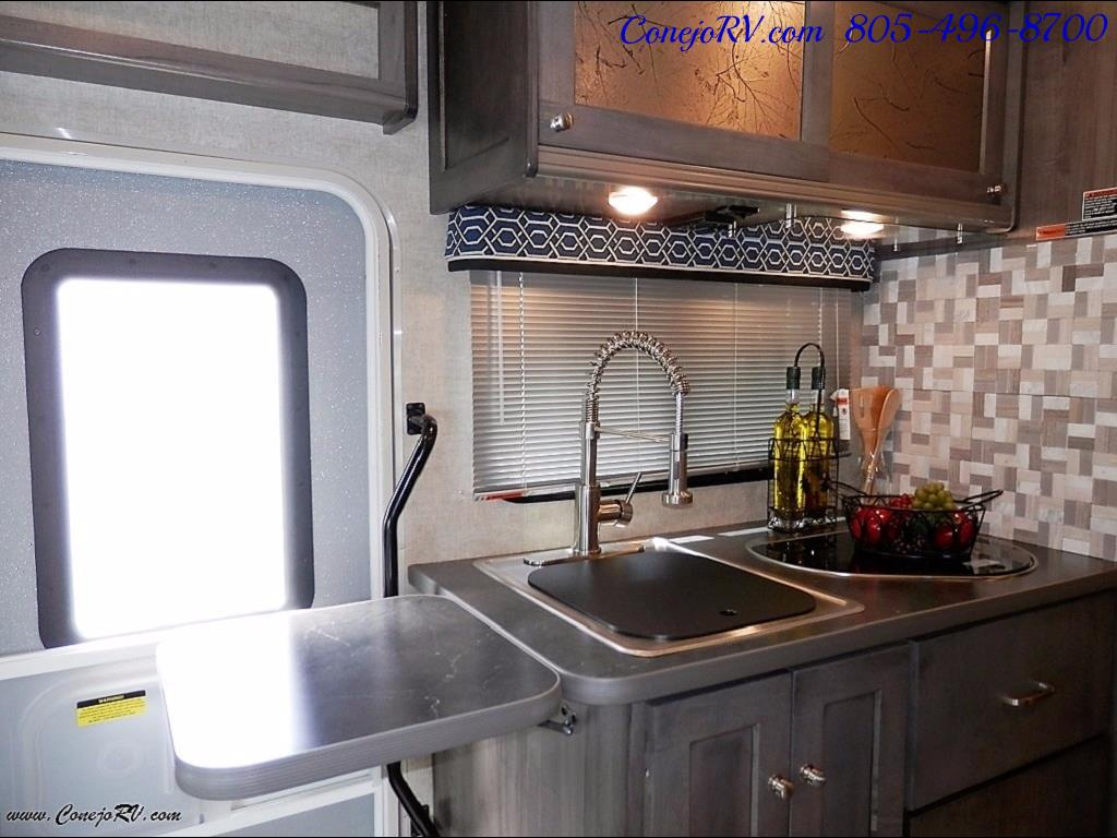 2017 Winnebago Fuse 23A Slide-Out Power Stroke Turbo Diesel - Photo 12 - Thousand Oaks, CA 91360