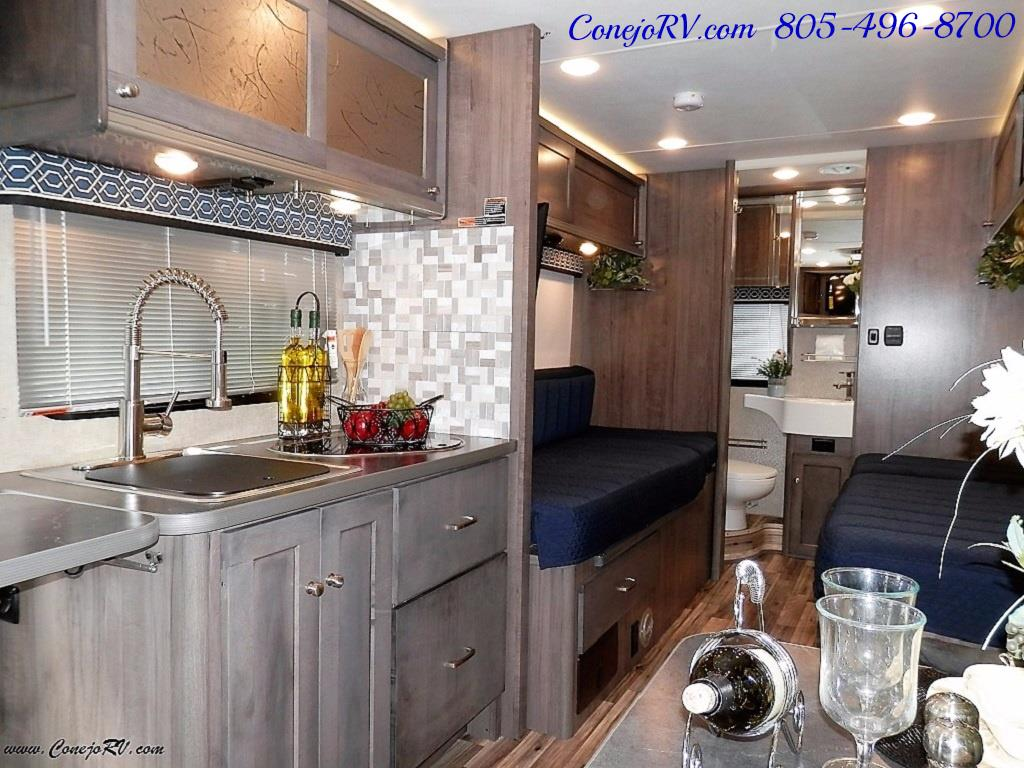 2017 Winnebago Fuse 23A Slide-Out Power Stroke Turbo Diesel - Photo 9 - Thousand Oaks, CA 91360
