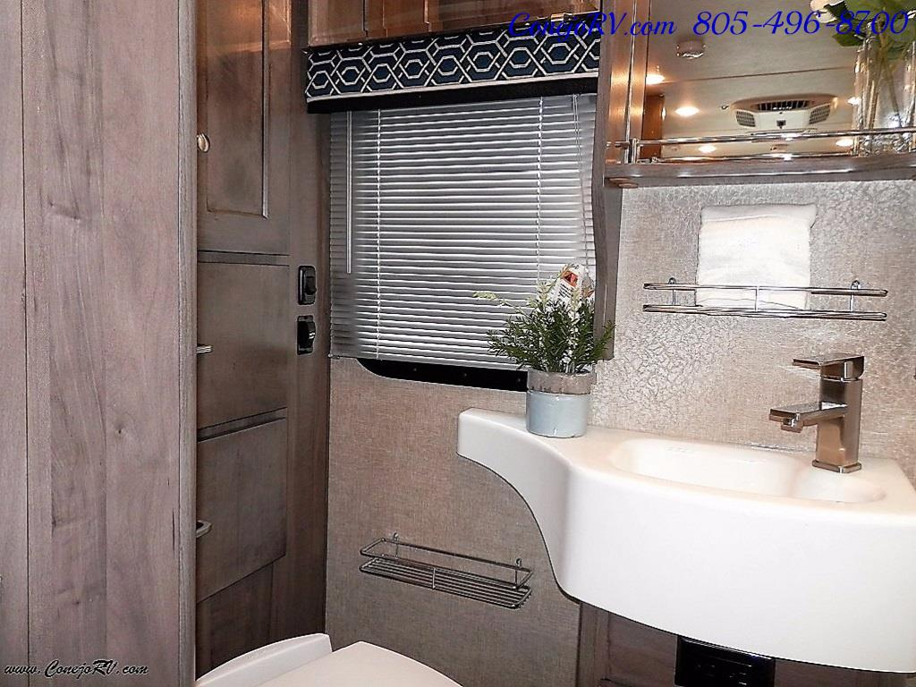 2017 Winnebago Fuse 23A Slide-Out Power Stroke Turbo Diesel - Photo 18 - Thousand Oaks, CA 91360