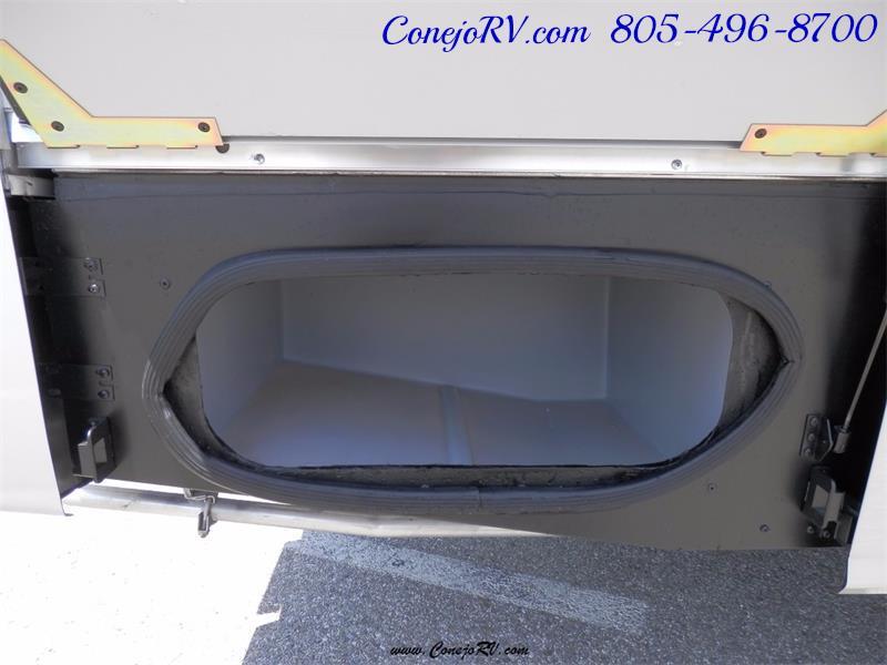 2017 Winnebago Itasca Navion 24V Slide-Out Full Body Paint Diesel - Photo 37 - Thousand Oaks, CA 91360