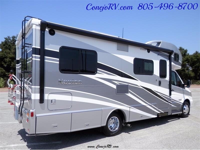2017 Winnebago Itasca Navion 24V Slide-Out Full Body Paint Diesel - Photo 6 - Thousand Oaks, CA 91360