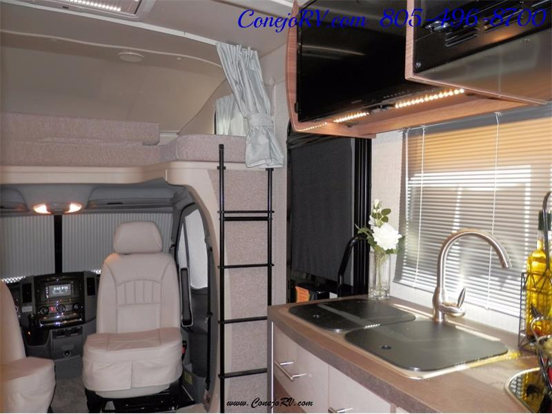 2017 Winnebago Itasca Navion 24V Slide-Out Full Body Paint Diesel - Photo 24 - Thousand Oaks, CA 91360